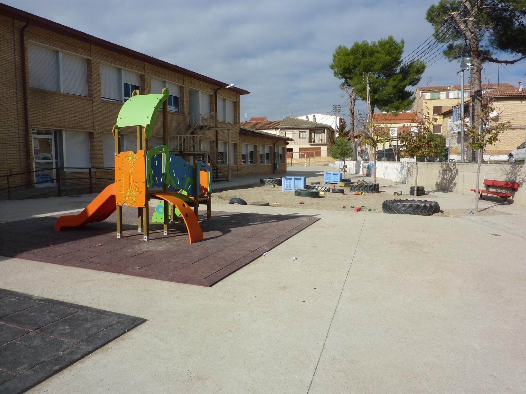 CEIP Victor Mendoza- patio infantil